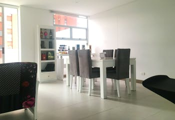 Apartamento en el Poblado (Lalinde) - 120 mts, con terraza y gimnasio.