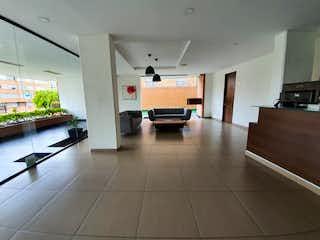 Una vista de una sala de estar y una sala de estar en Espectacular Aparta estudio