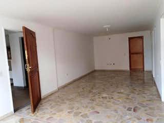 Un cuarto de baño con un inodoro y una ducha en Apartastudio en Arriendo  Laureles, Medellín