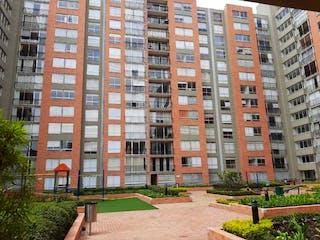 Un gran edificio en medio de una ciudad en Apartamento en venta en La Felicidad de 3 habitaciones