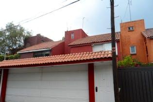 Casa en venta en San Jerónimo Aculco, 154 m² con patio