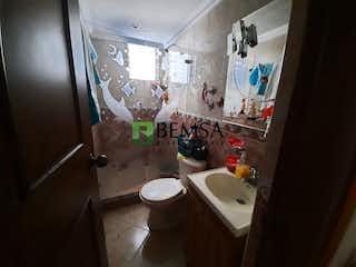 Un cuarto de baño con lavabo y ducha en Palo Bonito