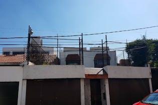Casa en venta en Lomas Quebradas  360 m²