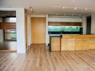 Una cocina con suelos de madera y suelos de madera en Apartamento En Venta En Bogotá Mazurén