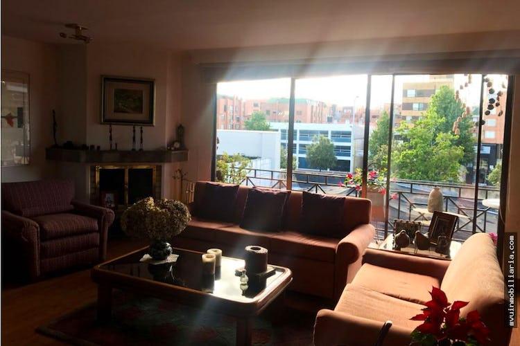 Portada Apartamento en venta Santa Bibiana, cuenta con 2 habitaciones y 2 garajes.