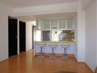 Un cuarto de baño con lavabo y un espejo en Casa en venta en Jardín Balbuena 150m² con Jardín...