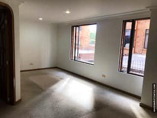 Una habitación que tiene una ventana en ella en Venta apartamento en Calleja Alta- 2 alcobas