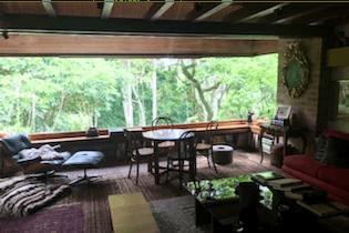 Casa en Santa Ana, Usaquen - 880mt, tres alcobas, jacuzzi