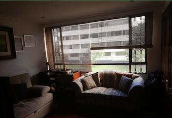 Venta De Apartamento En Santa Barbara Cuenta Con 2 Garajes En Linea.