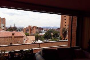 Apartamento en venta en El Refugio, cuenta con parqueadero y excelente ubicación.