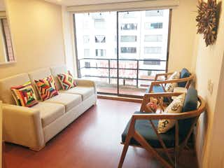 Una sala de estar llena de muebles y una ventana en Apartamento En Venta En Bogota Ciudad Salitre Nor-Oriental-Teusaquillo