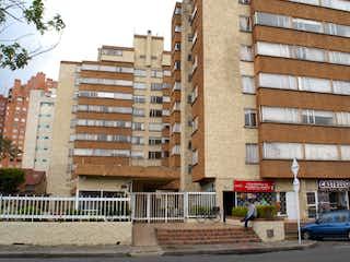 Una calle de la ciudad llena de edificios altos en Venta apartamento La FlorestaBogotá