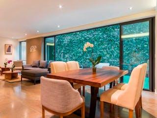 Una sala de estar llena de muebles y una televisión de pantalla plana en Tamaulipas 250