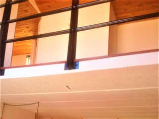 Una ventana que tiene una ventana en ella en Casa en venta en El Cortijo de 73m²