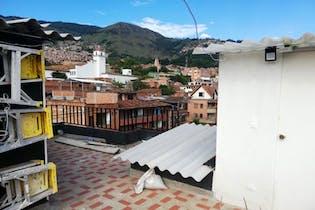 Casa En Venta En Medellin Villa Hermosa, con 7 habitaciones