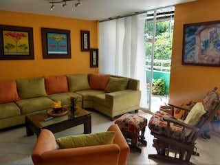 Una sala de estar llena de muebles y una gran ventana en Apartamento venta Belen Miravalle, Medellin, Antioquia