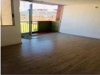 Una cocina con un suelo de madera y un suelo de madera en Apartamento en venta en Hayuelos Reservado de 3 habitaciones