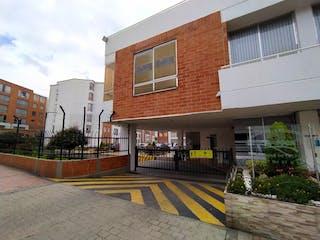 Una esquina con un edificio y una calle en Apartamento en venta en Barrio El Tintal de 3 hab. con Bbq...