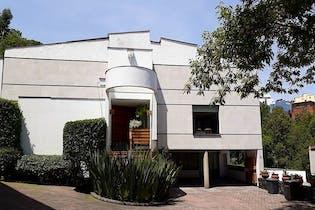 Casa en venta en Bosques de las Lomas remodelada 586 m²