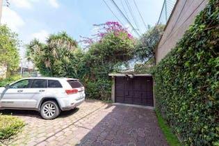 Casa en venta en Las Águilas 385m2 con jardín