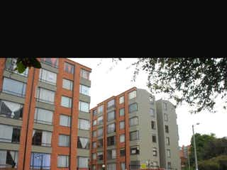 Un primer plano de una calle de la ciudad con edificios altos en Apartamento En Venta En Bogota Britalia
