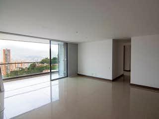 Una vista de una habitación con una puerta corredera de cristal en Apartamento en Venta POBLADO