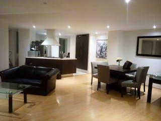 Una sala de estar llena de muebles y una televisión de pantalla plana en RENTA DEPARTAMENTO EN ANZURES