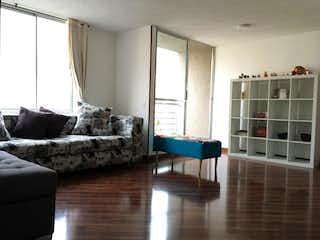 Una sala de estar llena de muebles y una ventana en Apartamento en venta en Tibabita, 86mt con balcon