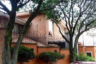 Casa en venta en San Jerónimo Aculco, 360 m² con jardín