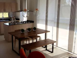 Una habitación con una mesa y una mesa en APARTAMENTO EN CONSTRUCCION,  PARA LA VENTA EN RIONEGRO