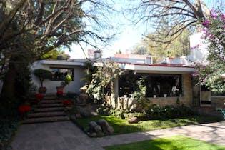 Casa en venta en Pedregal, 480 m² con jacuzzi y alberca