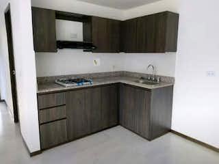 Un cuarto de baño con lavabo y un espejo en Apartamento en venta en Casco Urbano Copacabana de 3 hab. con Zonas húmedas...