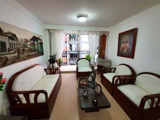 Una sala de estar llena de muebles y una gran ventana en Apartamento en venta en Otra Parte con Gimnasio...