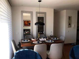 Una sala de estar llena de muebles y una ventana en ZS-931 Apartamenro en venta, Colina