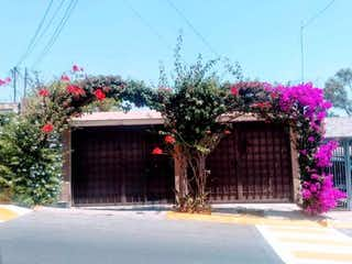 Casa en venta en Fracc Los Reyes Ixtacala 1ra Secc de 198m²