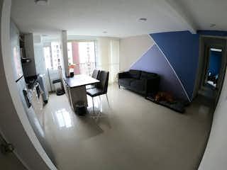 Una sala de estar llena de muebles y una televisión de pantalla plana en Apartamento en venta en Santa María con acceso a Gimnasio