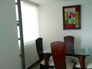 Una silla y una silla en una habitación en Apartamento en venta en La Balsa de 2 habitaciones