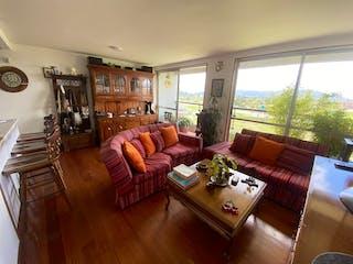 Una sala de estar llena de muebles y una gran ventana en VENTA APARTAMENTO 11vo PISO PARQUE RESIDENCIAL ARRAYAN - NOVATERRA