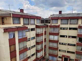 Un edificio alto con un montón de ventanas en él en ZPM-5 Apartamento en venta, JJ vargas