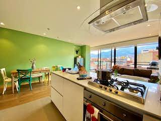 Una cocina con un fregadero y un horno de cocina en Apartamento en venta en El Virrey de 100m² con Gimnasio...