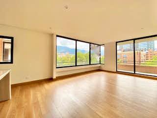 Una vista de una sala de estar y una sala de estar en Apartamento en venta en Chicó Reservado, 113m² con Jardín...