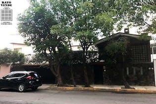 Casa en venta en Paseos del Sur, 225 m² con jardín