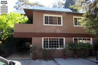 Casa en venta en San Andrés Totoltepec, 722 m² con jardín y patio
