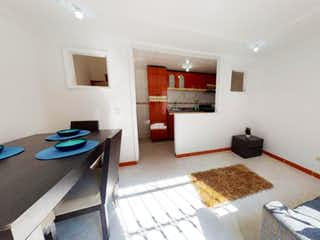 Una sala de estar llena de muebles y una mesa en Vendo Casa en Cd. Tintal SMZ. 1 Superlote 2 - Tintala, Calandaima.