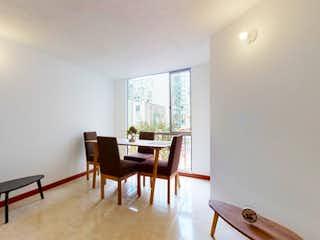Una sala de estar llena de muebles y una mesa en Vendo Apto en Recodo de San Felipe VI en la Igualdad, Kennedy.