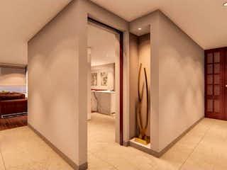 Una cocina con nevera y fregadero en Apartamento en venta en Usaquén, 269mt