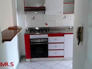 Cocina con fogones y microondas en Castellon