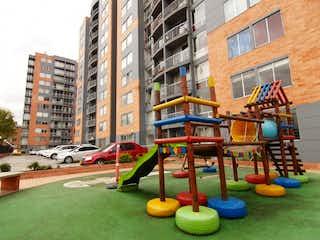 Un gran edificio con una gran cantidad de colores diferentes en él en Apartamento en venta en Valladolid 62m² con Gimnasio...
