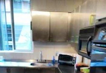 Apartamento En Venta En Medellin Laureles 2do piso con acensor.