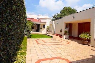 Casa en Jardines del Pedregal de San Ángel, 378 m² con jardín